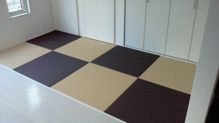 へりなし琉球畳(栗色×白茶色)