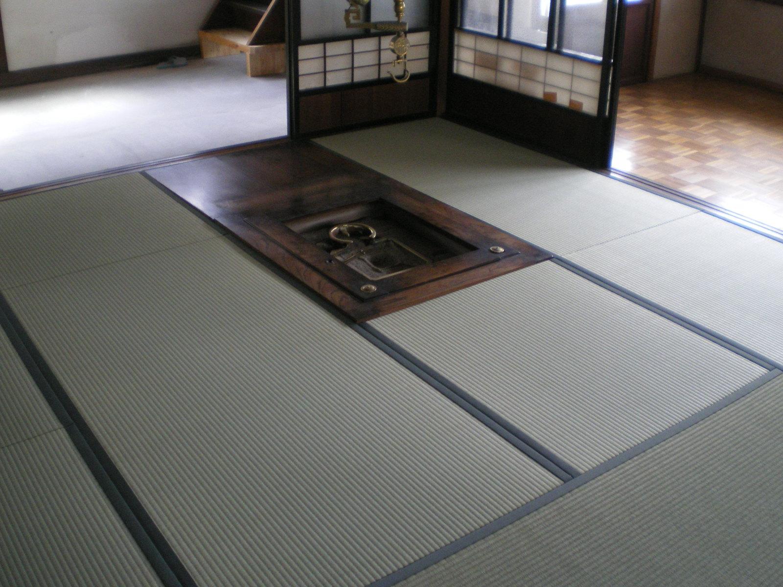 新畳(囲炉裏のある家)