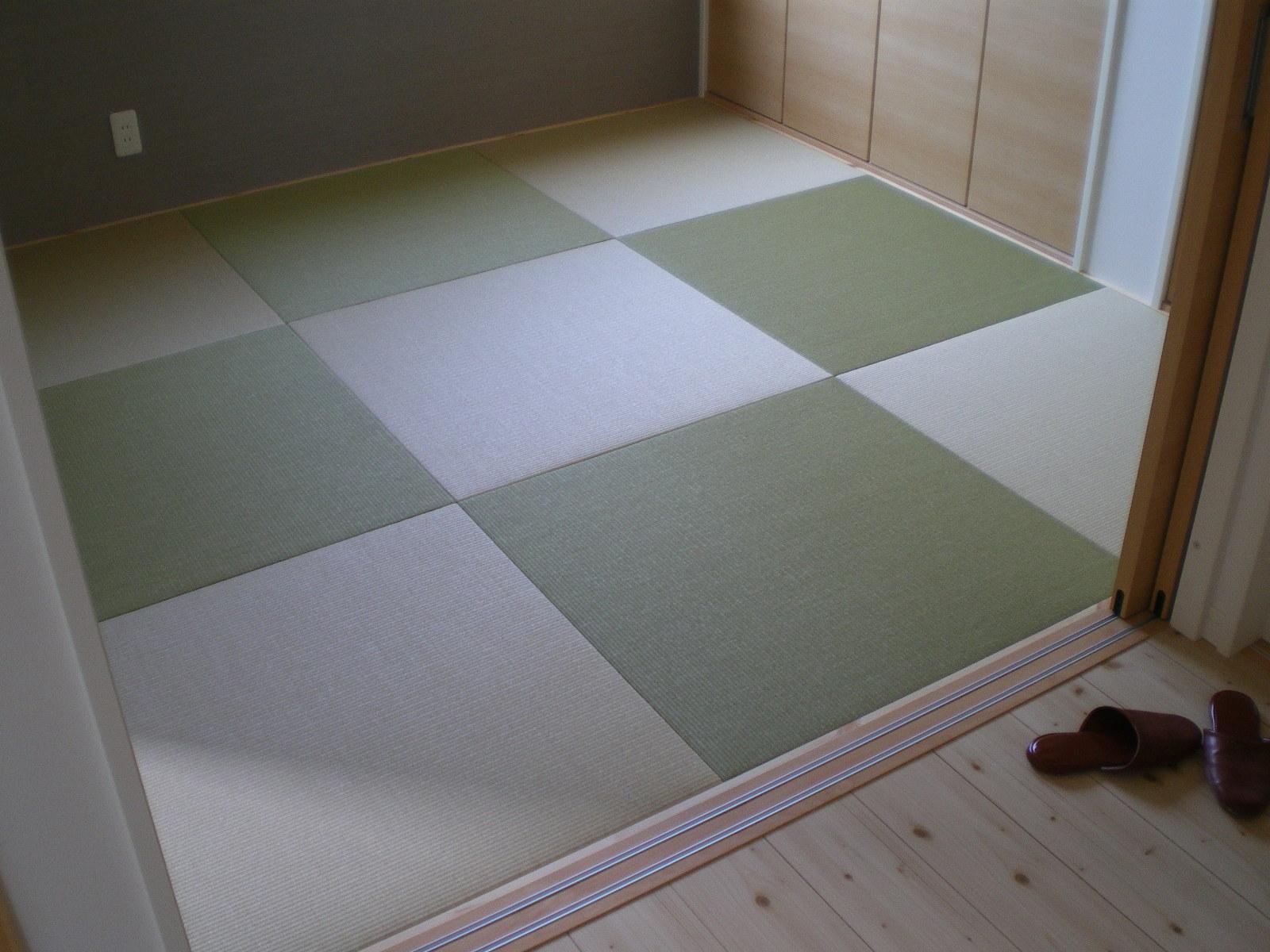 へりなし琉球畳(銀白色×若草色)