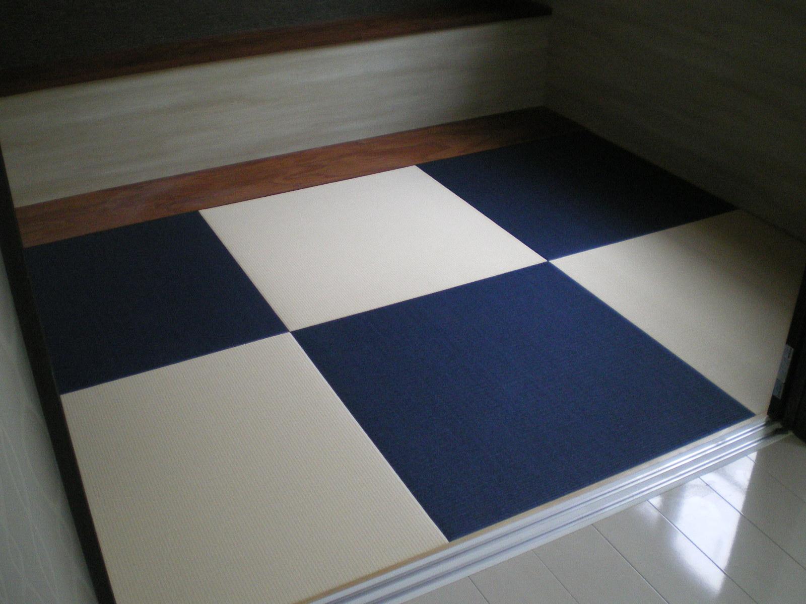 へりなし琉球畳(藍色×乳白色)