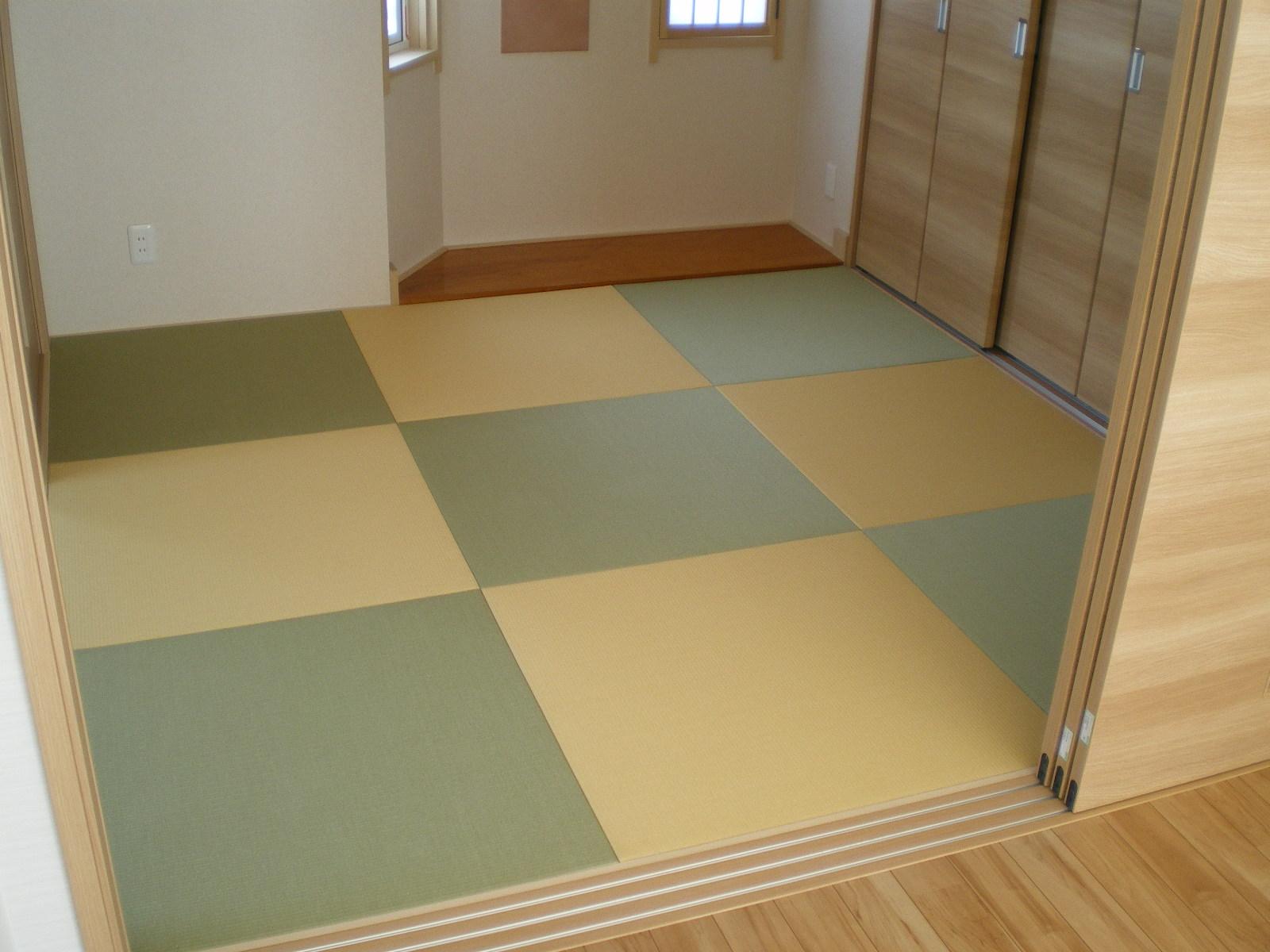 へりなし琉球畳(銀白色×黄金色)