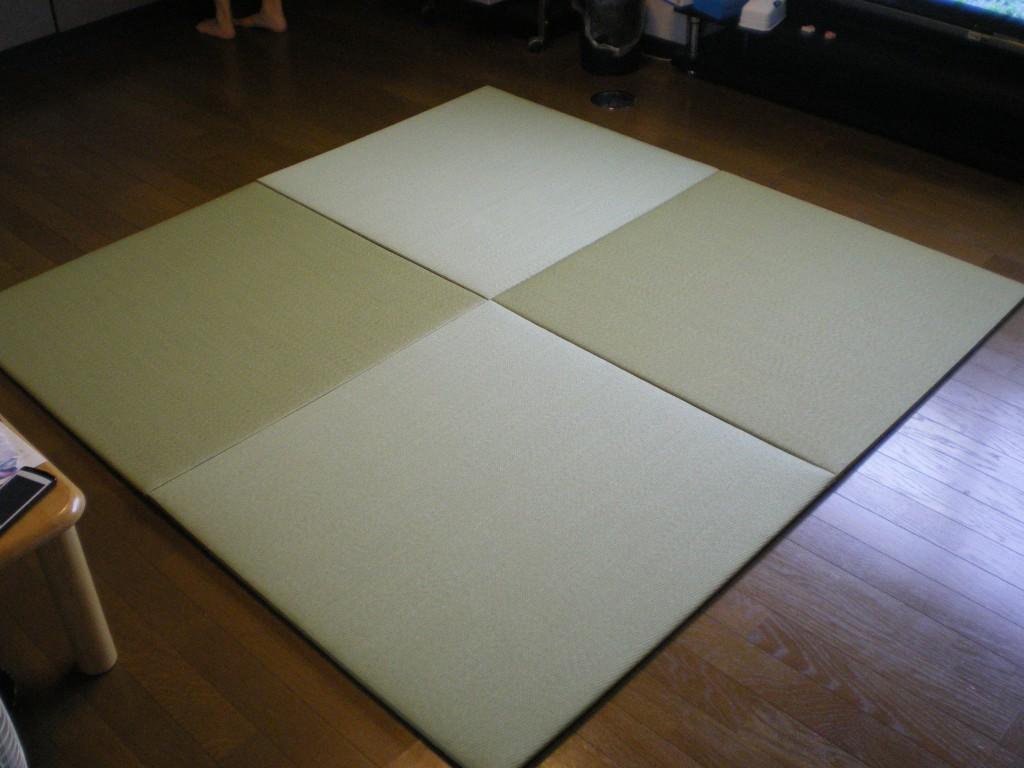 自宅の居間に置畳(綾波・銀白色)