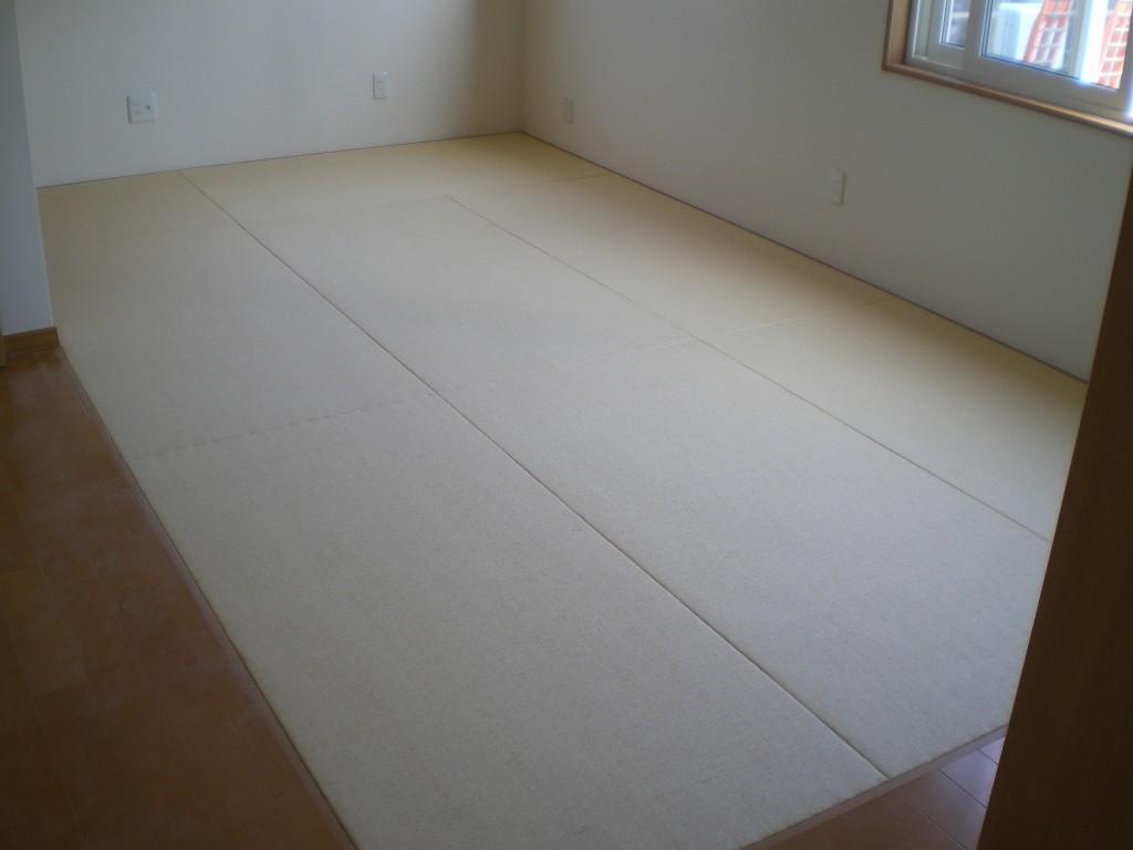 へりなし琉球畳(ベージュ)&(乳白色×銀鼠色)&新畳(和紙おもて・銀白色)