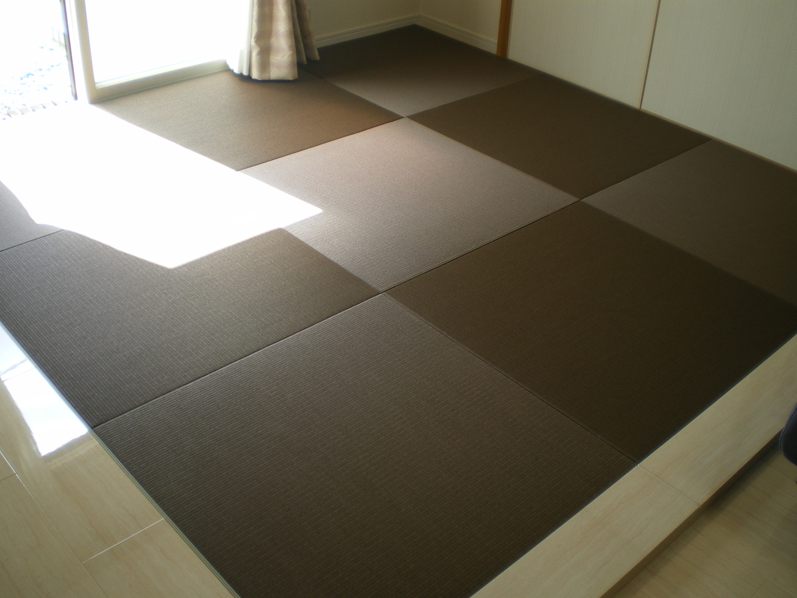 へりなし琉球畳(カクテルフィット 栗色×胡桃色)